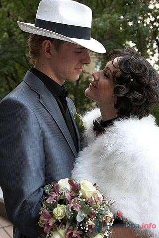Свадебная прическа, стилизованная под 30-е на короткие волосы, свадебный макияж. - фото 44723 Стилист-визажист Кандалова Елена