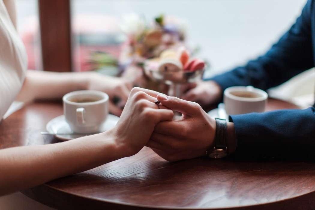 Руки жениха и невесты, кольцо - фото 13396236 Фотограф Юлия Sweet-kadr