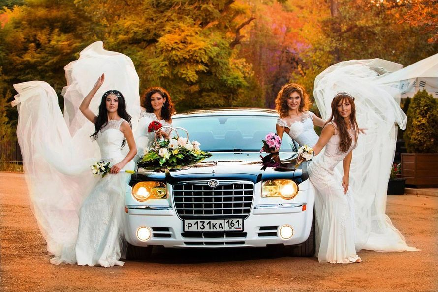 Аренда автомобиля Chrysler 300C Lambo Style Doors