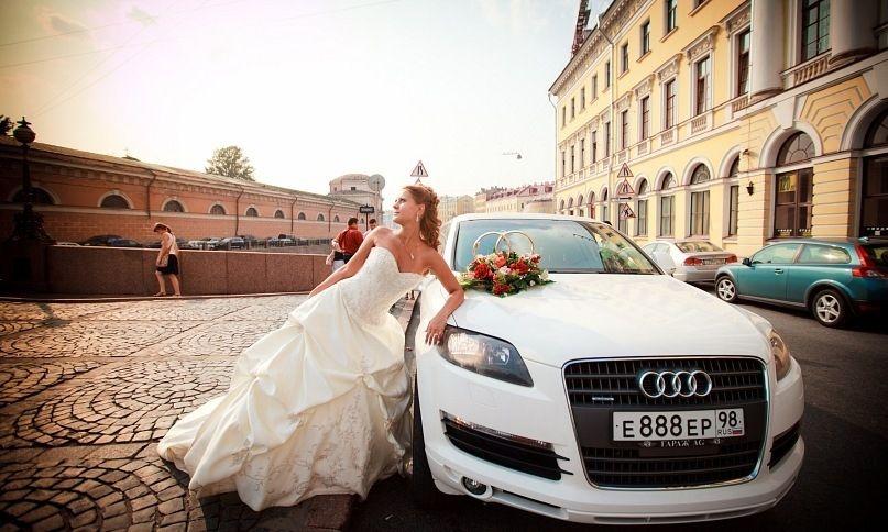 Аренда лимузина Audi Q7