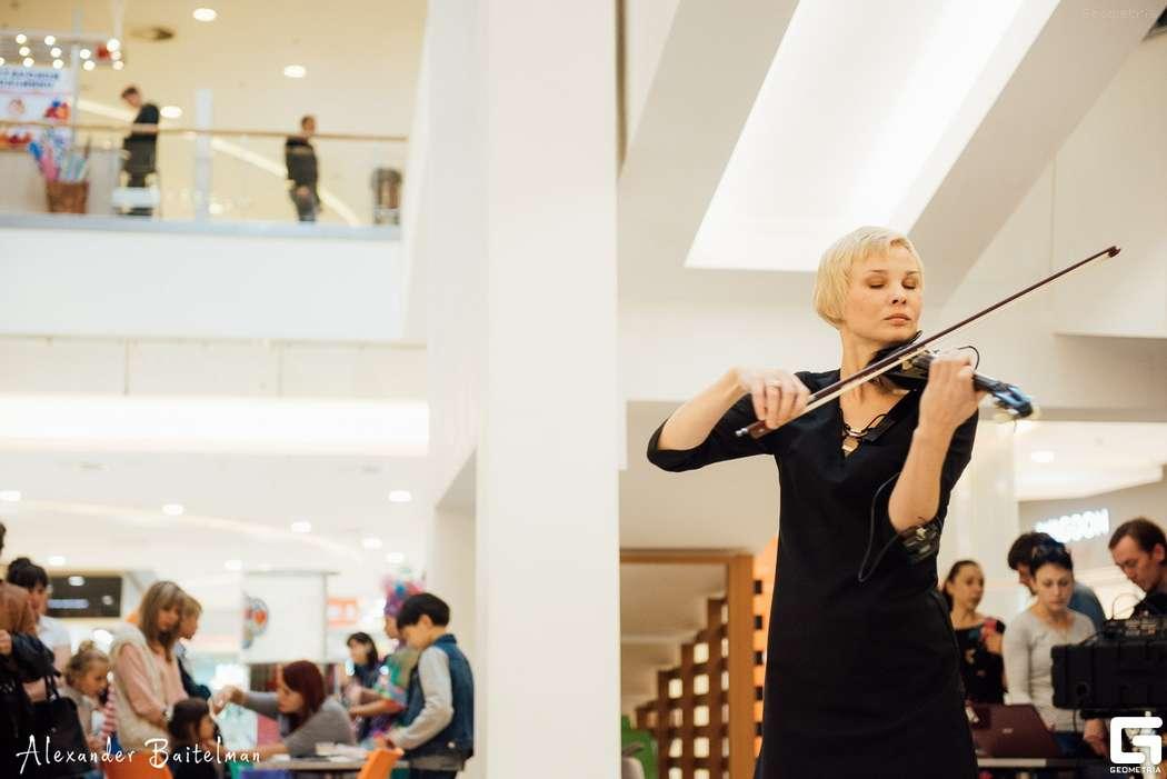 Фото 12107296 в коллекции фото с выступлений - Скрипачка Татьяна Поповская