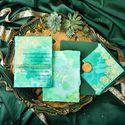свадебные приглашения, с акварельным фоном  и золотым фольгированием. Цветной  конверт и сургучная печать.Сроки изготовления 4 рабочих дня.