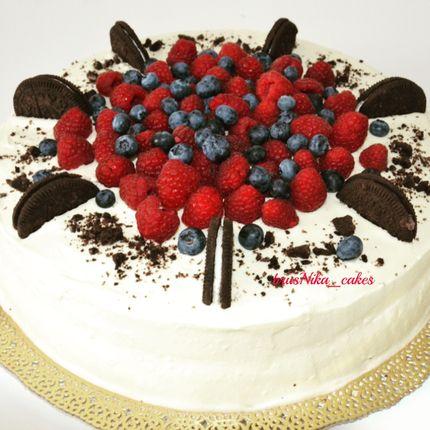 Ванильный торт с персиками на белом шоколаде, цена за 1 кг