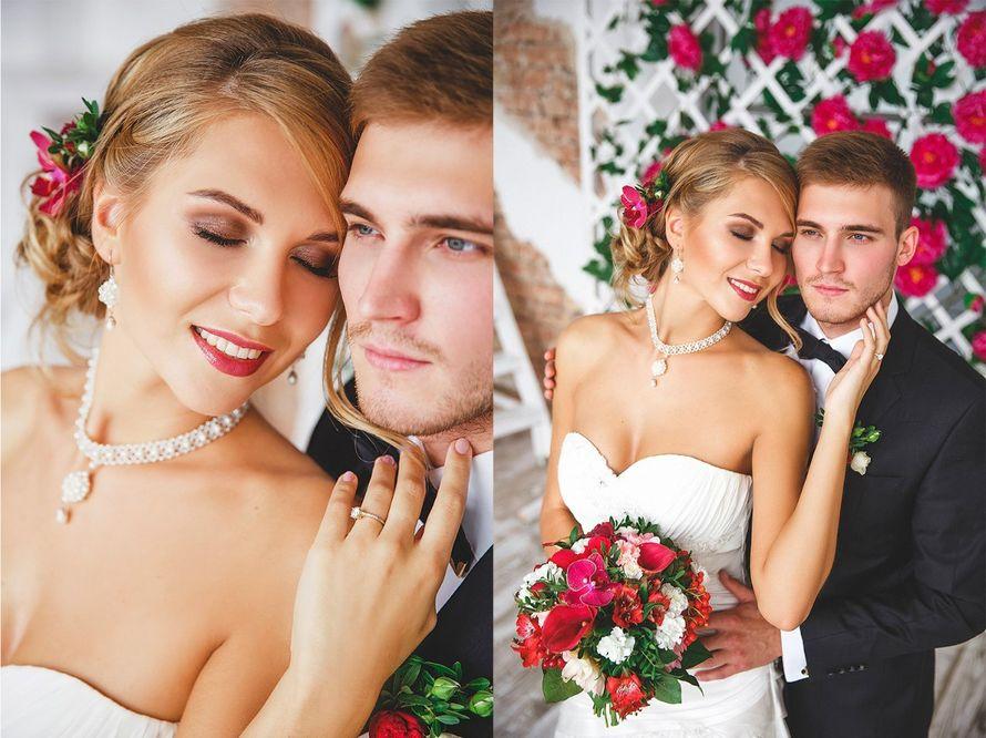 """Моя работа для свадебной фото сессии. Яркий букет из георгины, пионовидной розы, вибурнума, альстромерии, диантуса, бордовых кал и орхидеи,а также зелени салала и фисташки.  Девочки-невесты,пишите пожалуйста мне в личные сообщения все ваши вопросы.  Я обе - фото 12254024 Студия флористики """"Арнаменты"""""""