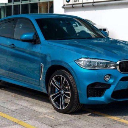 Аренда автомобиля BMW X6 2015 года с водителем