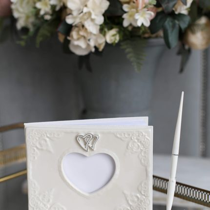 Книга для пожеланий и ручка для подписи Влюблённые сердца