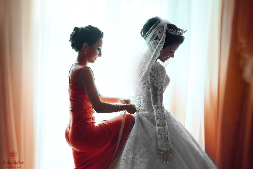 Сборы невесты)  #Свадьба  #wedding  #weddings #weddingday #weddingphotography #instagramanet #weddingphotographer #weddingparty #bride  #bridesmaid  #bridesmaids #bridetobe  #москва #happy #happyday #bestday #bestoftheday #bestofday #forever #smiles #smil - фото 12476470 kabisov_senseye