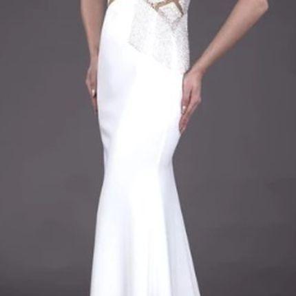 Облегающее платье молочного цвета