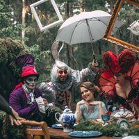 Alice in Wonderland   Алиса в Стране Чудес Show Ballet Grigorian  Тайны и загадки волшебного мира открываются самым смелым и достойным.  За порогом Страны Чудес вас ждут только приключения и восторг. Герои и злодеи, что обитают в Зазеркалье, встретят Вас