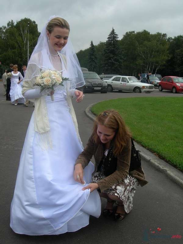Фото к теме - пуховый платок как накидка на платье - фото 35945 Катеринчик
