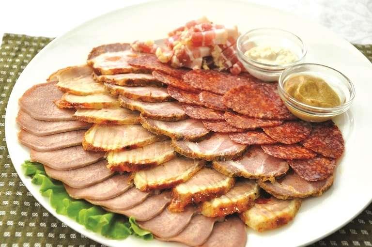 Мясная тарелка - фото 13745516 Ресторан Папа Карло