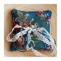 Голубая гобеленовая подушечка для колец с цветочным рисунком