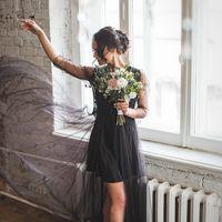 Часто девочки спрашивают меня, как бы интересного снять утро невесты... А как вам такой вариант?  Мода говорит нам, что черный – это всегда элегантно. Это самый совершенный цвет в палитре.