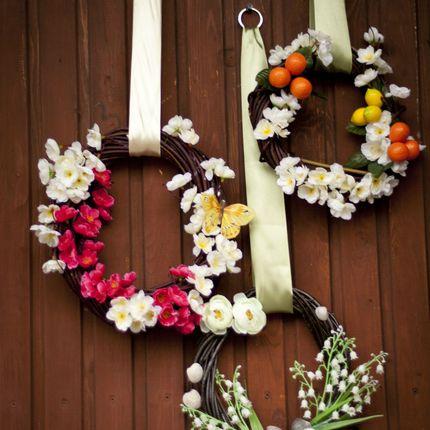 Декоративный венок на дверь