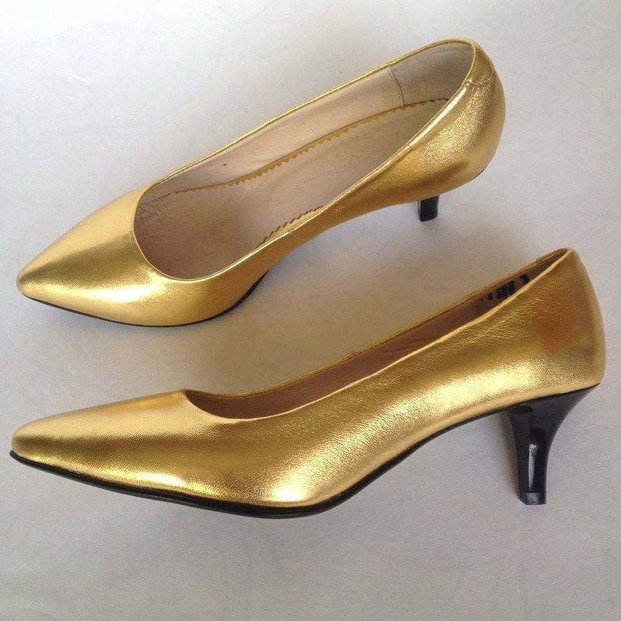 Золотые свадебные туфли