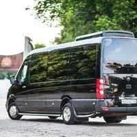 - Mercedes Sprinter Люкс VIP (чёрный) 17 (16+1) мест (климат-контроль, 2 телевизора)