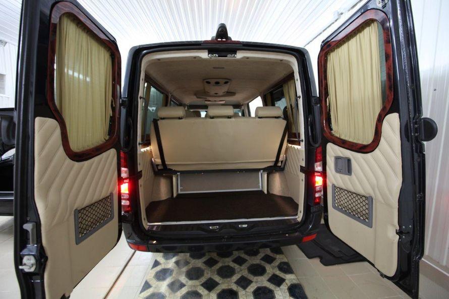 """- Mercedes Benz Sprinter (9+1 мест) - Салон комби: кожа. - Анатомические кресла установлены по направлению движения, откидывающиеся спинки на 90 %. Подлокотники. - Большое расстояние между креслами позволяет комфортно располажиться на дальние расстояния.  - фото 13986332 Транспортная компания """"Алмаз авто"""""""