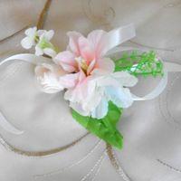 Красота создаёт воспоминания и впечатление. А детали создают красоту... Вот такой браслетик для подружки нашей невесты...