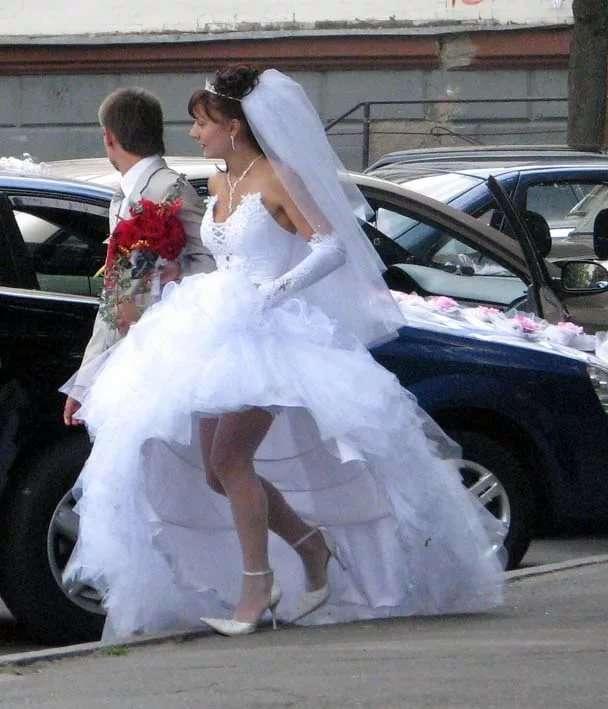 pod-yubkami-na-svadbah-video
