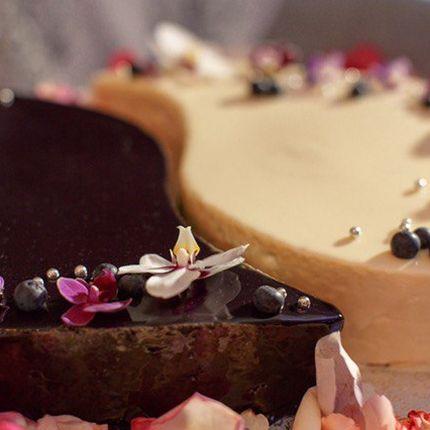 Муссовые свадебные торты, цена за 1 кг