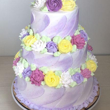 Свадебный торт с оформлением сливками, цена за 1 кг