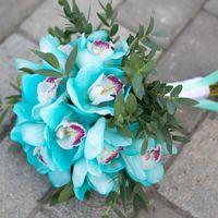 Букет невесты из орхидеи в цвете Тиффани