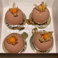 Мини-пирожные в шоколадной глазури