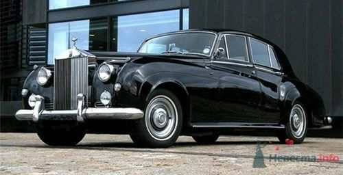 Rolls-Royce Silver Cloud 1957 г.в. - фото 34176 Black and White Cars - аренда лимузинов