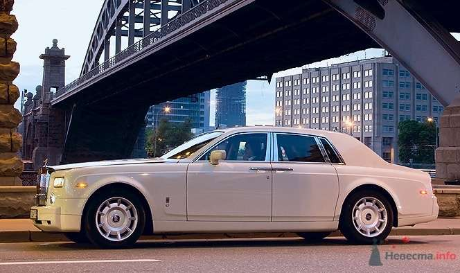 Rolls-Royce Phantom  - фото 34843 Black and White Cars - аренда лимузинов