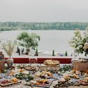 Декор стола с закусками Фотограф: Анна Коздурова