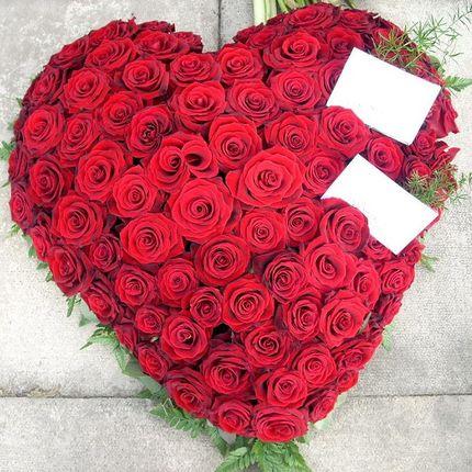 Сердца из цветов (60x60 см)