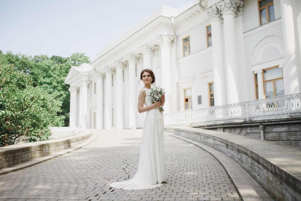 Фотограф: Никита Кузякин Флорист: Юля Кобельке Макияж и прическа: я - фото 16594618 Стилист Анастасия Симакова