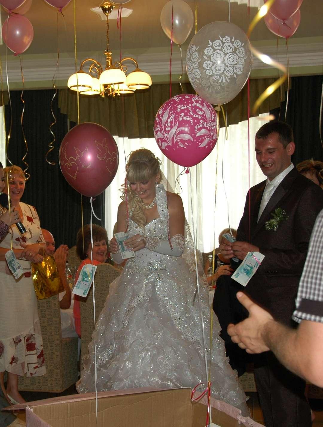Оригинальное поздравление на свадьбу шарики