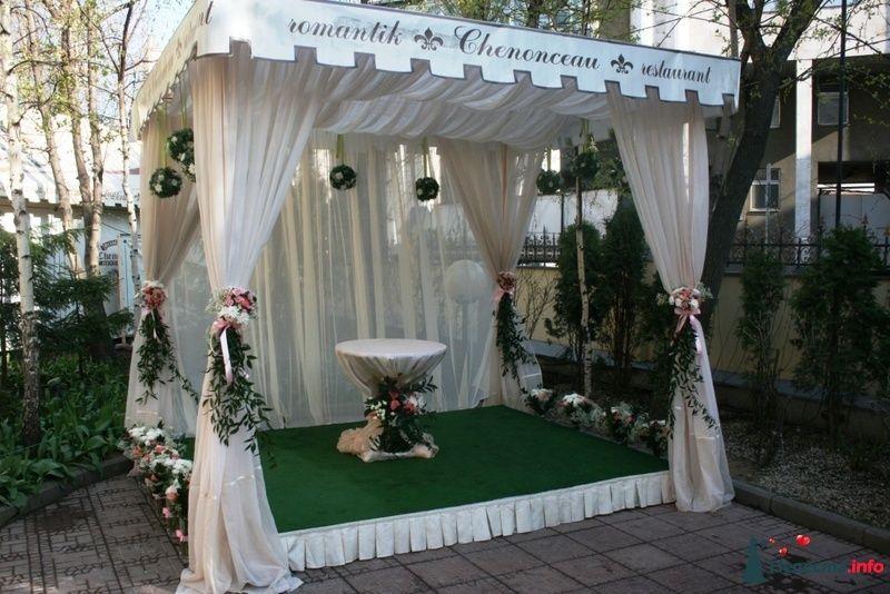 Флористическое оформление беседки.  - фото 91710 Вашкетова Юлия - организатор свадеб, флорист.