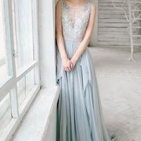 Свадебное платье: Лобелия. Дизайнеры: Светлана Русецкая и Карина Буланенко. Фотограф: Маша Голуб.