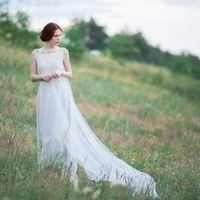 Свадебное платье: Жасмин. Дизайнеры: Светлана Русецкая и Карина Буланенко. Фотограф: Маша Голуб.