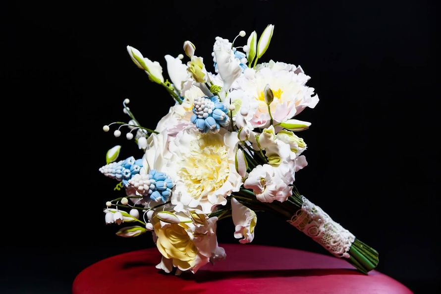 Весенний букет из полимерной глины DECO.Пионы,розы,ландыш, мускари,душистый горошек. - фото 806527 Школа лепки Елены Фроловой