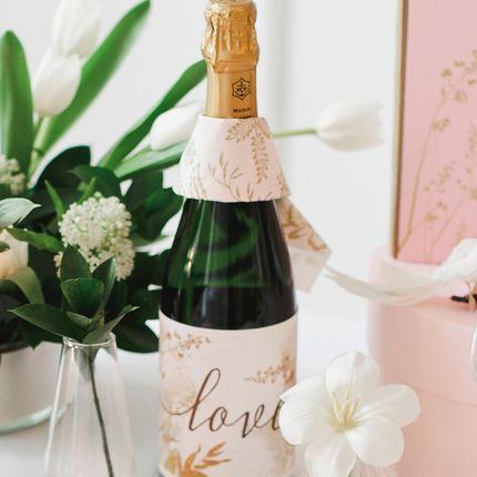 Бокалы для молодожёнов и украшение на бутылку шампанского  Gold Rose