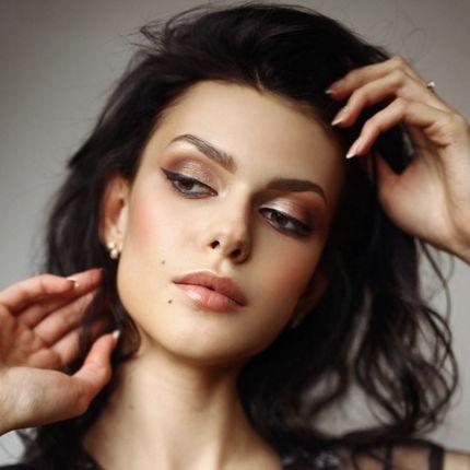 Причёска и макияж