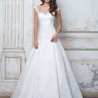 Кружевное свадебное платье классического кроя подчеркнёт все достоинства фигуры и скроет недостатки.  Подробности тут: