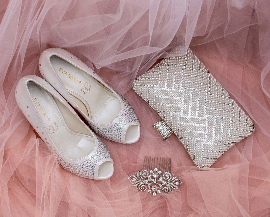 Фото 16778208 в коллекции Свадебная обувь и сумочки - Свадебный салон Edler Weiss