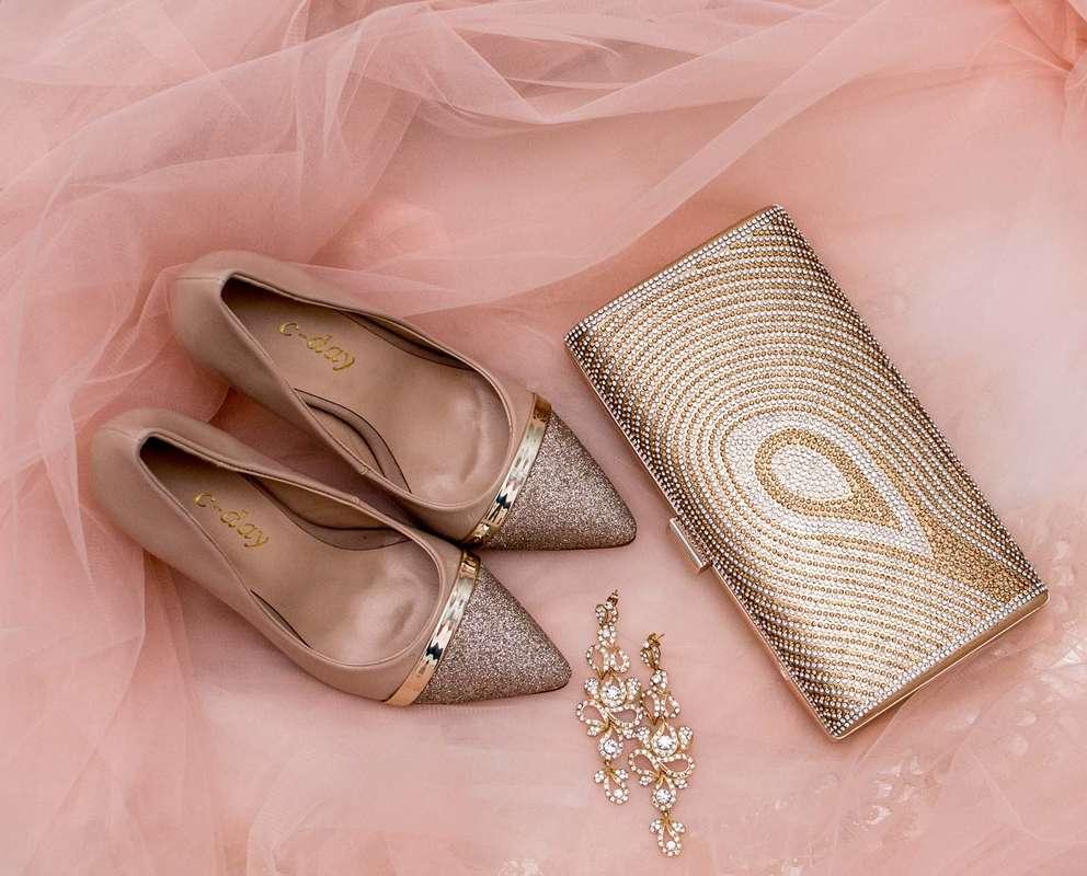 Фото 16778230 в коллекции Свадебная обувь и сумочки - Свадебный салон Edler Weiss