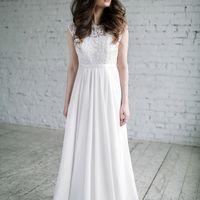 Свадебное платье с закрытым верхом и шифоновой юбкой размер 40,42, 44