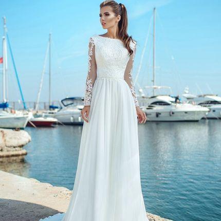 Шифоновое платье с кружевными рукавами
