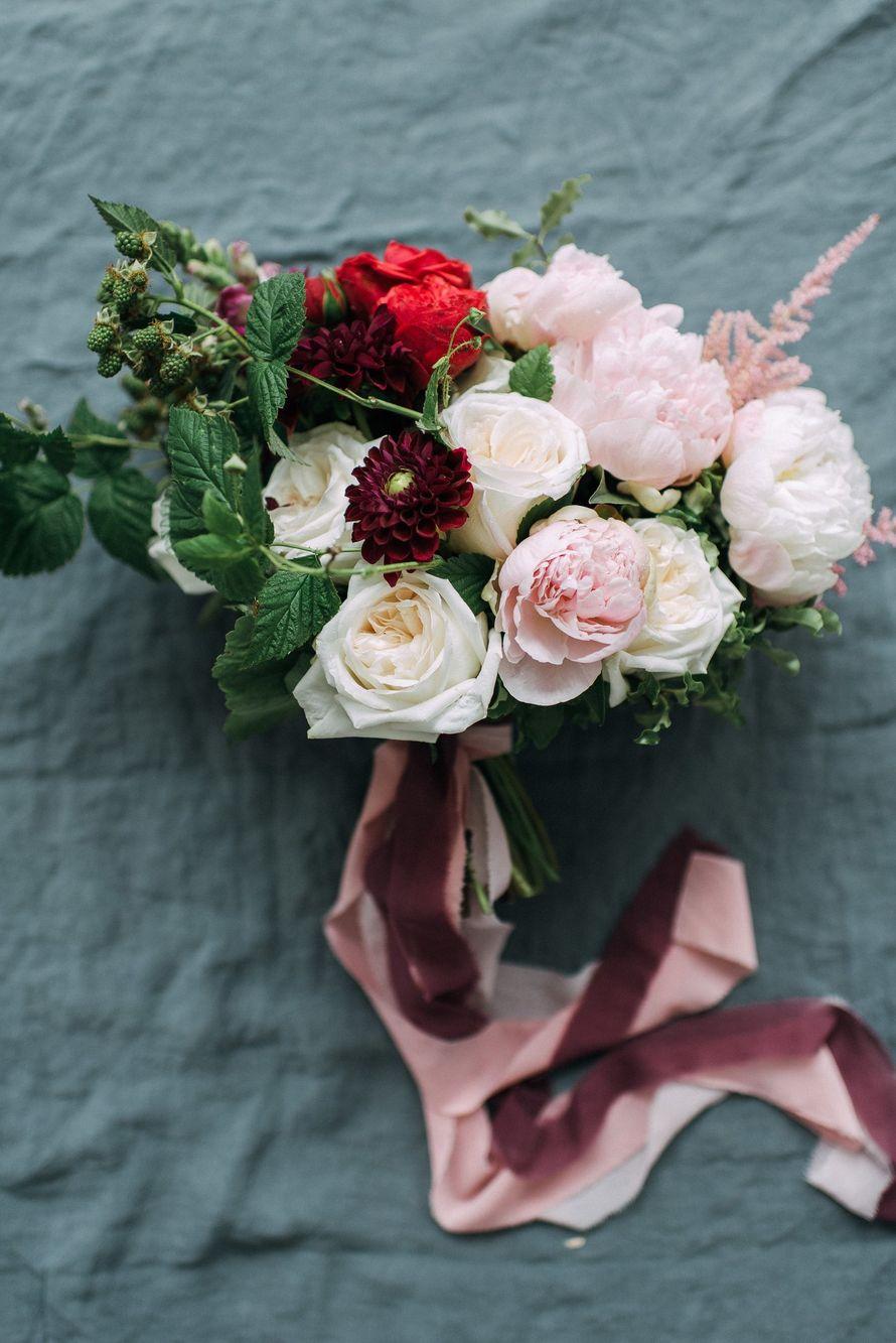 Фото: Елена Ильянова Букет: Make Flowers Полиграфия: Simple Polygraphy - фото 16261310 Make Flowers - флористическая мастерская