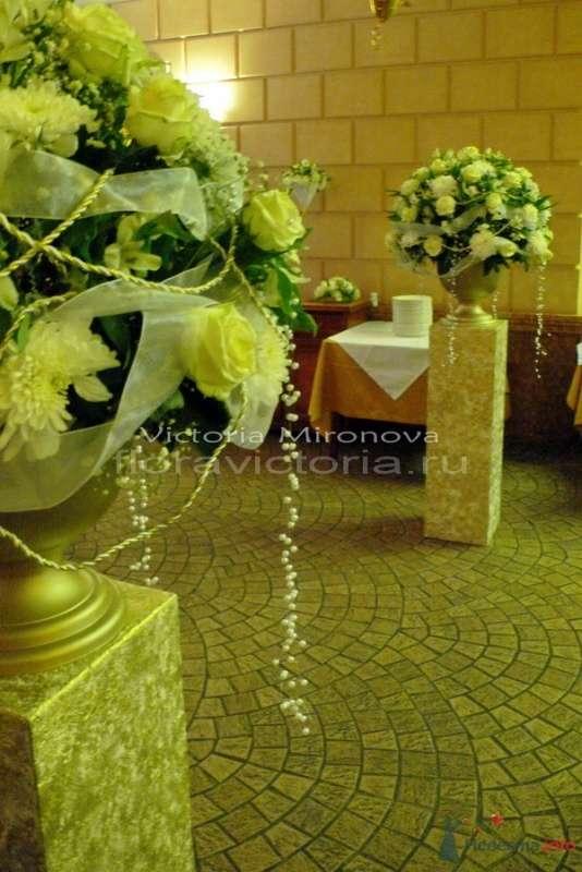 Украшение зала цветами - фото 29411 Cвадебная флористика и декор событий FloraVictoria