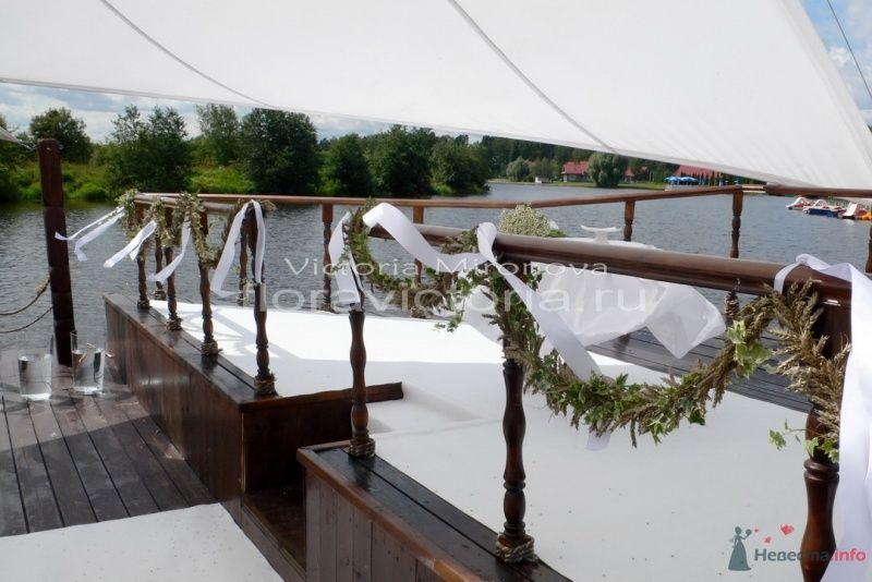 Оформление выездной церемонии на корабле - фото 29417 Cвадебная флористика и декор событий FloraVictoria