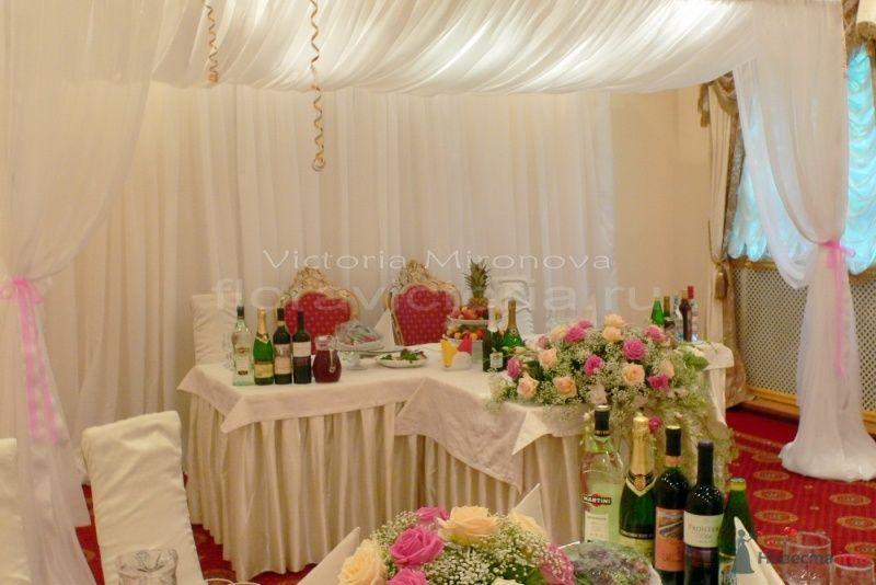 Свадебный шатер, оформление президиума - фото 29429 Cвадебная флористика и декор событий FloraVictoria