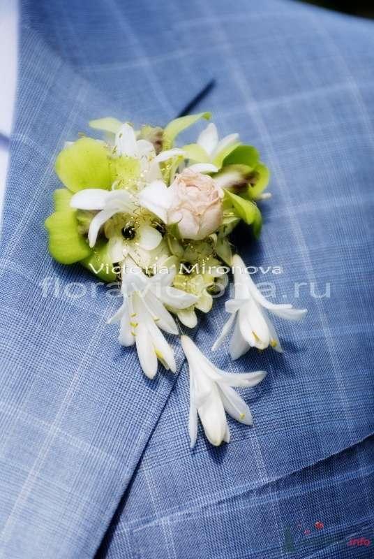 Бутоньерка для жениха - фото 29445 Cвадебная флористика и декор событий FloraVictoria