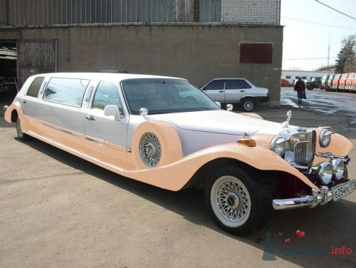 Ретро лимузин на свадьбу